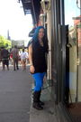 Blue-city-streets-jeans-black-decree-boots-black-vest-black-top