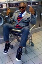 dark brown yeah ray-ban sunglasses - red Old Navy vest - black sleek sneak H&M s