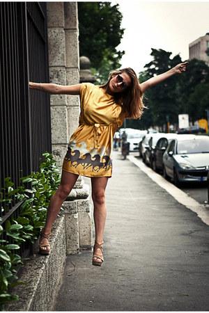 yellow vintage dress - tawny Twin Set wedges - tan escada necklace