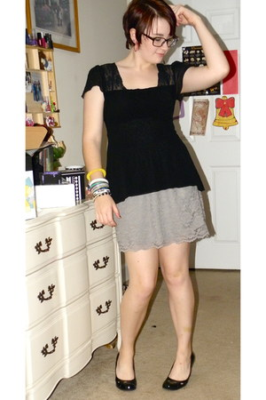 black Sweet Pea top - heather gray skirt - black predictions heels