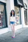 Blue-abercrombie-and-fitch-shorts-brown-oliver-peoples-sunglasses
