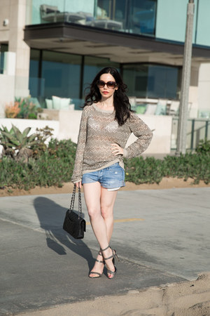 silver Alice and Olivia sweater - black Chanel bag