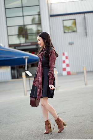 brown calvin klein boots - navy Alice & Olivia dress - crimson Zara top