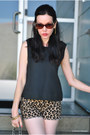 Black-chanel-bag-camel-juicy-couture-shorts-black-house-of-harlow-top
