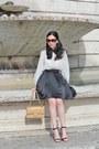 Camel-chanel-bag-brown-gucci-sunglasses-black-nasty-gal-skirt