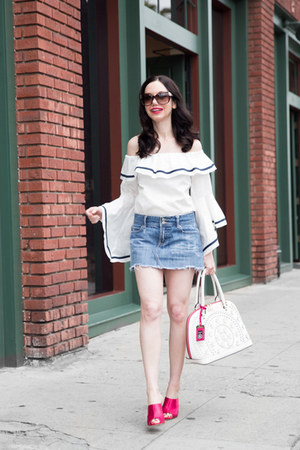 white storets top - blue abercrombie and fitch skirt - hot pink Schutz heels