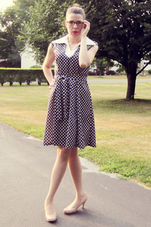 navy vintage dress - neutral Steve Madden heels