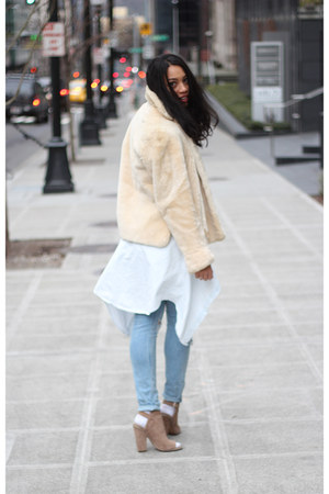 light blue H&M jeans - ivory vintage jacket - light blue Leith shirt