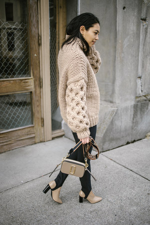I Love Mr Mittens sweater - Marc Jacobs bag - vince pants - Via Spiga heels