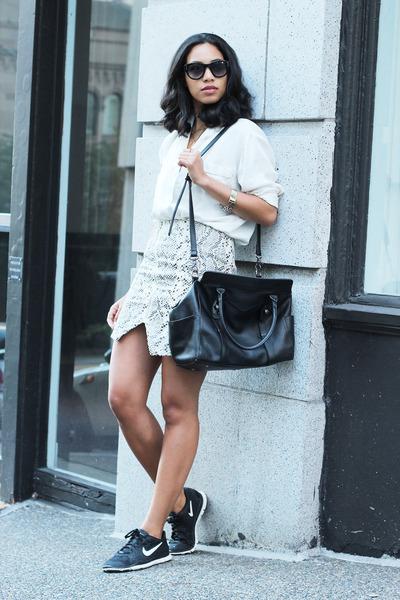 MIKKAT MARKET skirt - vintage blouse - nike sneakers