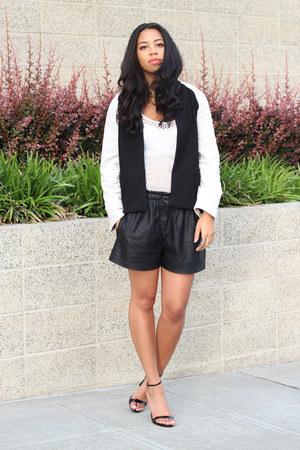 Mango jacket - Zara shorts - Aritzia t-shirt - Steve Madden sandals
