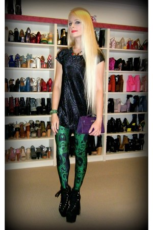 black hellbounds UNIF boots - green slime bath Black Milk leggings
