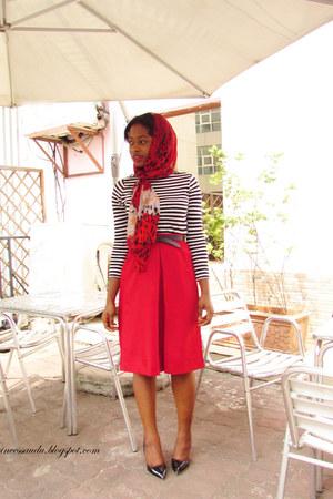 red midi-skirt vintage skirt
