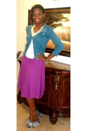 purple Old Navy skirt - H&M bracelet - Bakers pumps