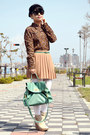 Turquoise-blue-bag-light-brown-pleated-skirt-skirt-brown-floral-shirt-blouse