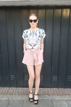 light pink high-waisted Lelestyle shorts - black cat eyed Sinner sunglasses