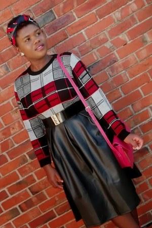 brick red tartan Boohoo jumper - black midi Boohoo skirt