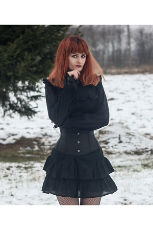 black second hand dress