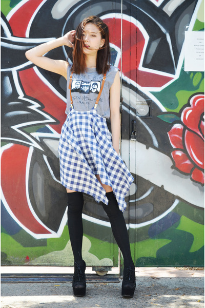 suspender skirt Q2HAN skirt - band shirt Fashionmia shirt - JSimple socks