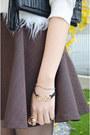 Skater-skirt-q2han-skirt-black-clutch-poppily-bag