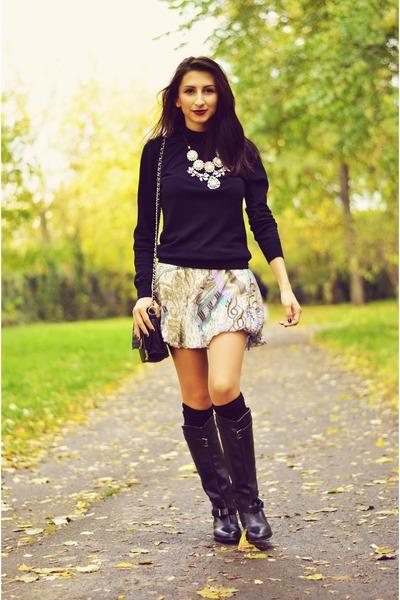 e5a04be445c3 light pink statement Zara necklace - black riding Zara boots