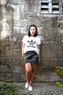 White-accent-shirt-white-tennis-h-m-sneakers-black-origami-skirt