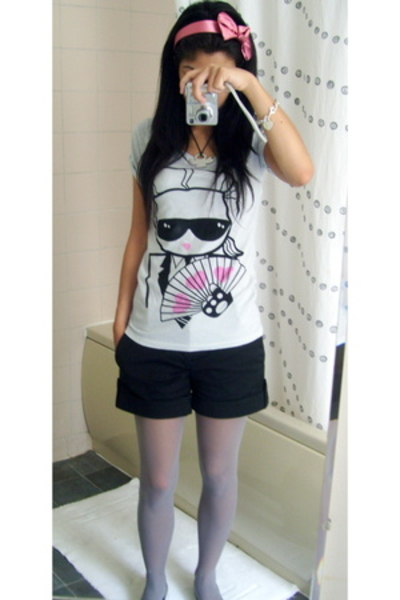 UO t-shirt - Zara shorts - Calzedonia accessories - marcjacobs shoes