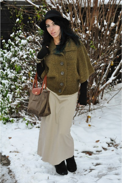 brilliant uggs and skirt outfit
