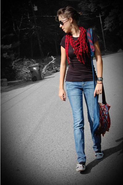 Ebay scarf - Target jeans - DIY purse - BC shoes - JCP shirt - DIY necklace