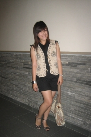 unbranded - unbranded vest - Billabong - vnc shoes - bracelet - Fossil