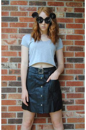 black round sunglasses - heather gray diy top - black leather vintage skirt