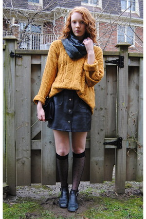mustard knit thrifted jumper - black leather Hush Puppies boots