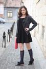Black-deichmann-shoes-gray-jeans-random-brand-jacket
