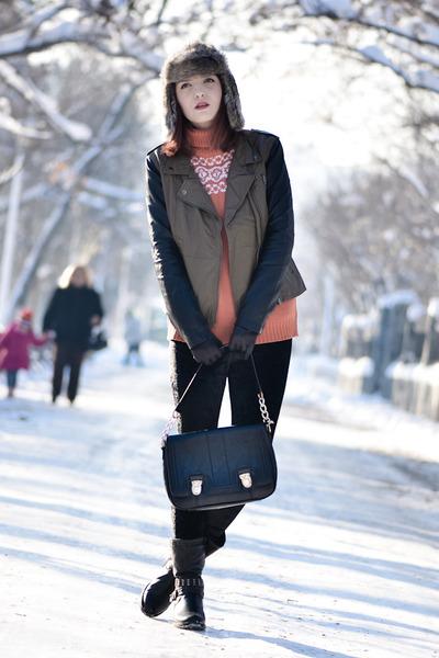 Blank Denim jacket - Romwecom leggings - Oasapcom bag