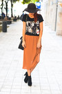 Stradivarius-hat-sammydress-bag-kurtmann-t-shirt-kurtmann-skirt