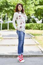 minga berlin socks - romwe blouse - Nicholas pumps
