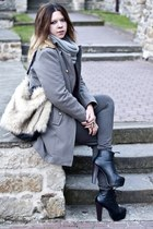 silver no name coat - black Stylowe Buty boots - beige H&M bag