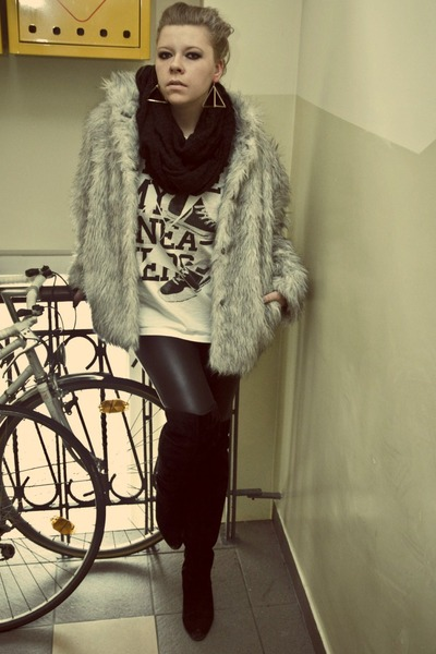 silver Secondhand coat - off white New Yorker t-shirt