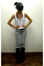 White-folded-huing-top-gray-mango-jeans-black-celine-boots