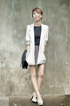 off white metallic Zanea shoes - beige maldita blazer - black Zara bag