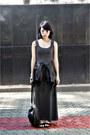 Gray-maxi-dress-black-leather-jacket-black-bag
