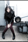 Black-jacket-forever-21-leggings-accessories-doc-martens-boots