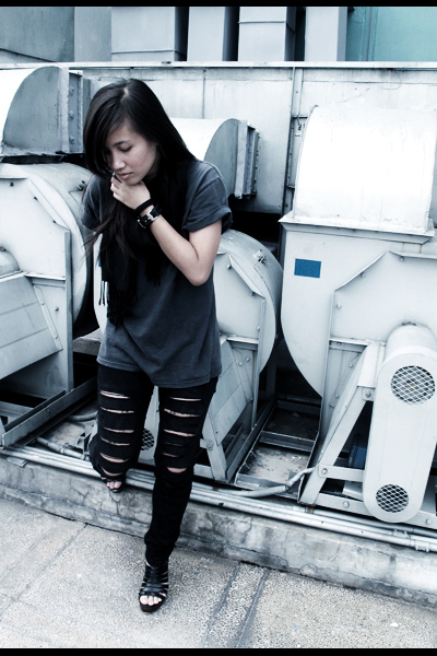 black DIY pants - gray vintage shirt - black scarf accessories - Possibility sho