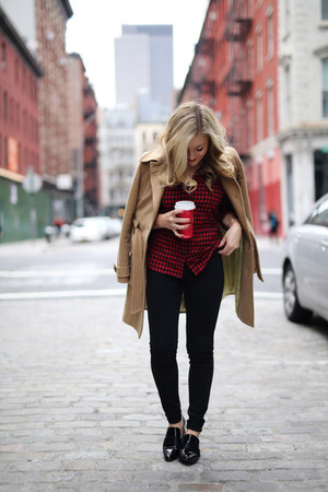 red red plaid top top - camel coat - black black jeans jeans