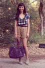 Target-boots-francescas-bag-forever-21-shorts-urban-outfitters-top