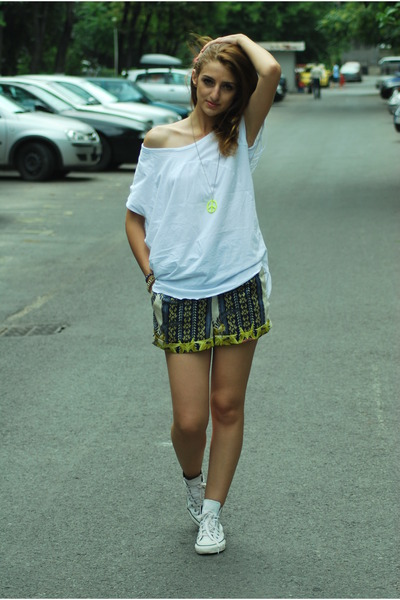 white Local store t-shirt - chartreuse Glow panties