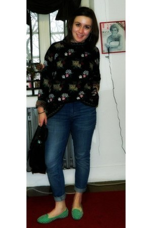 vintage sweater - Jeffrey Campbell shoes - Levis jeans