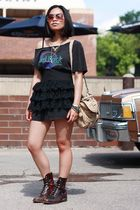 black thrifted t-shirt - black second hand lace Le Chateau skirt skirt - brown v