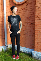 black Dickies jeans - black imaginary t-shirt - red Vans sneakers