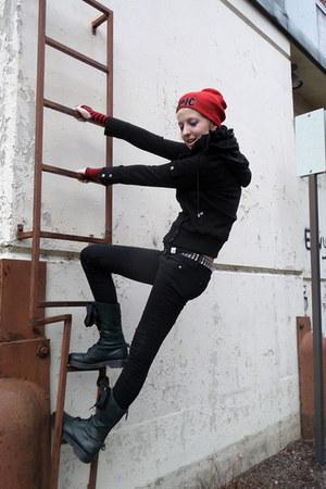 black Dr Martens boots - black skinny Lovesick jeans - red Claires hat